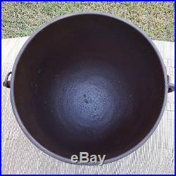 Rare Antique Cast Iron Bean Pot No. 6 Gatemark Cowboy Kettle Peyote Drum