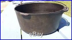 Rare Griswold #11 Large Cast Iron Tite Top Dutch Oven