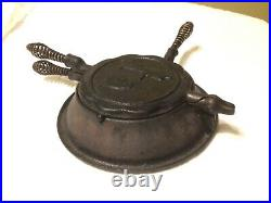 Rare Vintage Buster Brown Waffle Cast Iron WithBase Tige