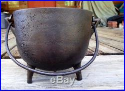 Small Vintage Cast Iron Bean Pot Kettle 8 1/8 With Gate Mark