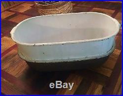 Unique cast iron cookware / wash basin antique Thomas & Clark 1800's England