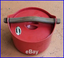 VINTAGE ENAMELED CAST IRON POT WOOD HANDLE ROSENLEW of FINLAND TIMO SARPANEVA