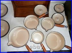 VINTAGE LE CREUSET CAST IRON 5x SAUCE PAN SET SHINY BROWN WITH ORIGINAL STAND
