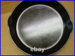 Vintage #9 Griswold 11 Cast Iron Skillet Fry Pan Small Block Logo Model 710-h
