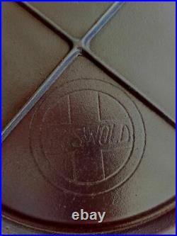 Vintage Antique Cast Iron, Griswold Slant Logo. 739 GRIDDLE, CLEANED & RESTORED