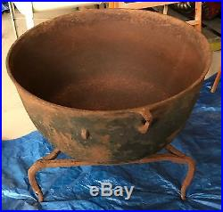 Vintage Antique Large Cast Iron Cauldron Garden Planter Pot Kettle Stand Art
