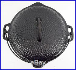 Vintage Cast Iron Chicago Hardware Foundry Hammered 5 QT Dutch Oven 88CA USA