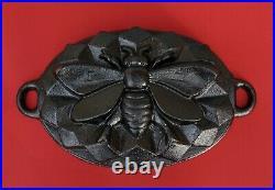 Vintage Cast Iron bee pan Bee mold baking pan (# 13579)
