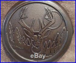 Vintage Earlier Style Lodge Wildlife Series Cast Iron Skillet (Whitetail Deer)