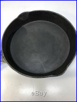 Vintage Early Wagner Sidney O #12 Cast Iron Skillet Arch Logo and Heat Ring