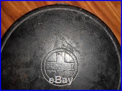 Vintage Griswold # 14 Cast Iron 15 1/4 Inch Skillet NEEDS CLEANED lvut