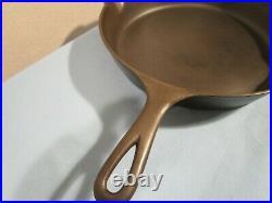 Vintage Griswold ERIE 710D Cast iron Skillet/Pan (RARE) HTF