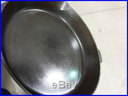 Vintage Griswold No 12 Small Logo 719D Cast Iron Skillet Great Cleaned Seasoned