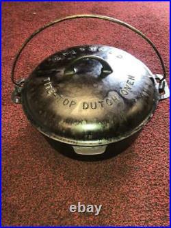 Vintage Griswold No 9 Tite-Top Cast Iron Dutch Oven with Lid & Trivet