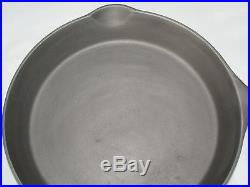 Vintage WAGNER Sidney 11 Cast Iron Skillet Heat Ring Clean Very Nice