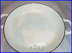 White 2.25 Quart #26 LE CREUSET Classic Braiser Shallow Casserole